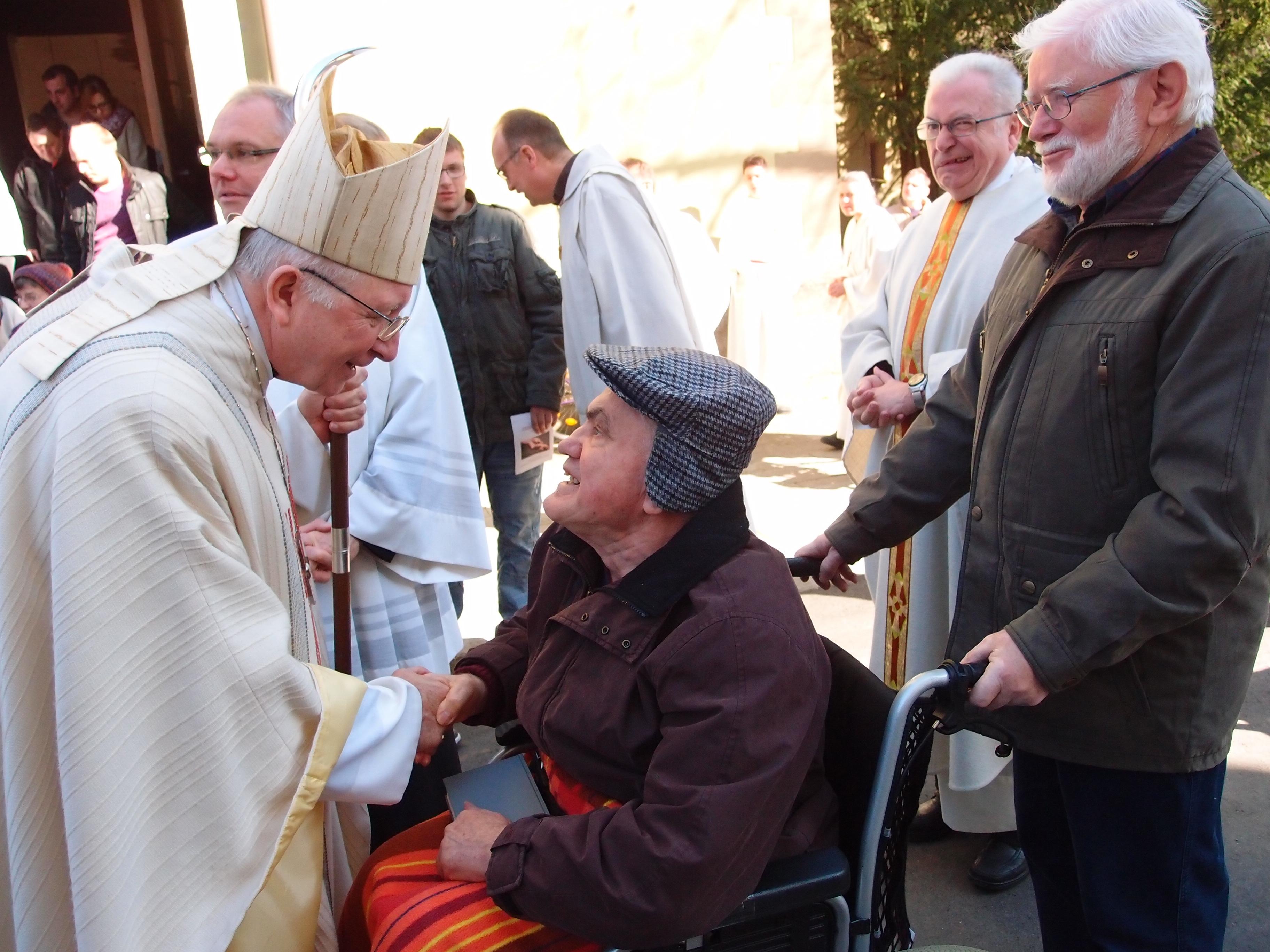 Weihbischof Boom zur Visite im Kloster Maria Bildhausen
