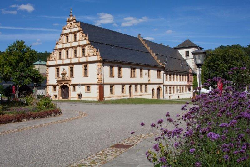 Klosterführung mit dem historischen Abteigebäude
