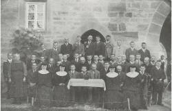 Bild 90 Jahre Einrichtung