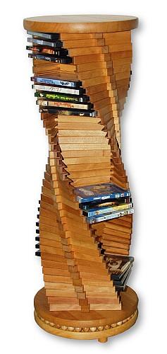 Edles Design in Holz.  Großer spiralförmiger DVD-Ständer aus massivem Buchenholz. Ein Schmuckstück für jede Wohnung. Der holzkugelgelagerte Sockel ermöglicht ein leichtgängiges Drehen der Säule.