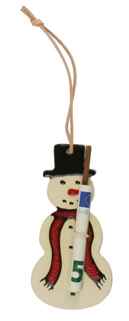 """""""Verpacken"""" Sie Ihr Geldgeschenk doch einfach mit unseren hübschen handgetöpferten Schneemännern. Der Gummizug hält einen Geldschein, ein Gedicht oder einen persönlichen Gruß fest."""