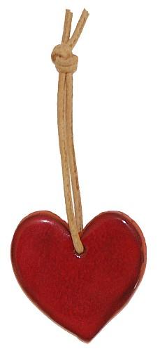 Rot glasiertes Herz für vielfältige Dekorationsmöglichkeiten. Auch eine nette Mitbringidee für liebe Freunde.
